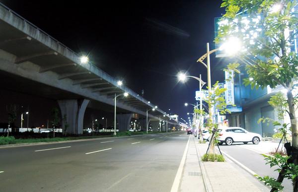 台中市預計年底全數改LED路燈。(圖/台中市政府提供)