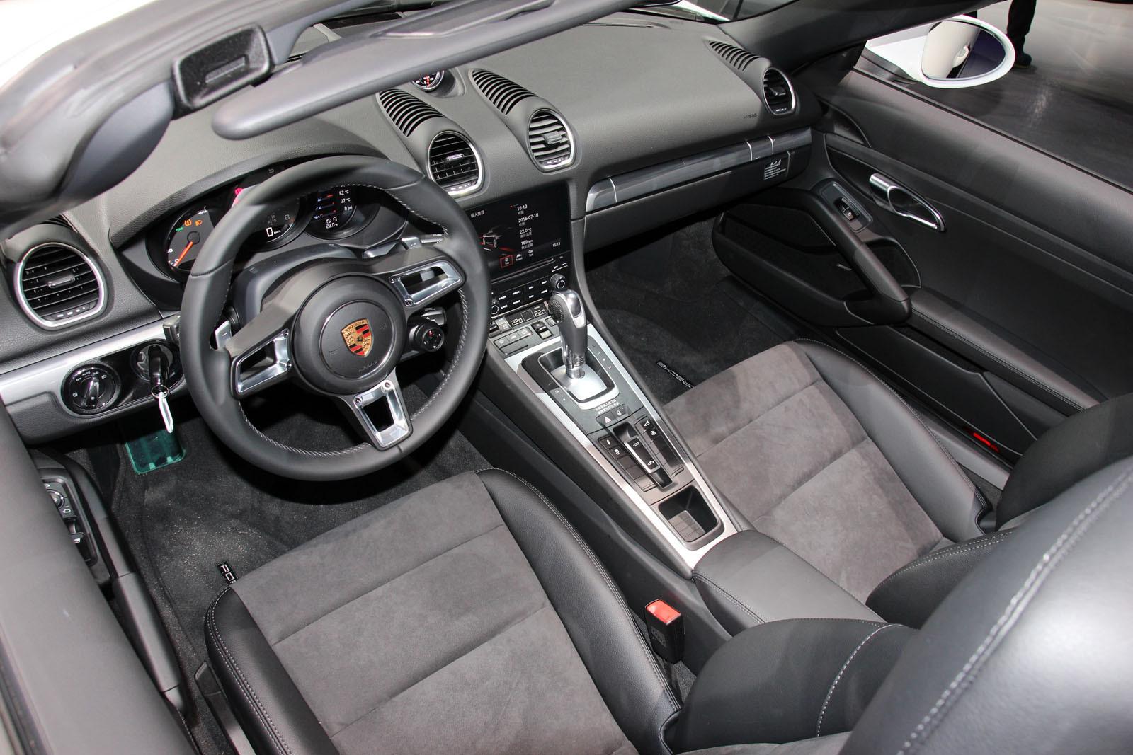 「縮小」更帶勁 Porsche 718 Boxster在台發表。(圖/記者張慶輝攝)