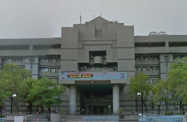 高雄地方法院外觀。(圖/翻攝自Google Map)