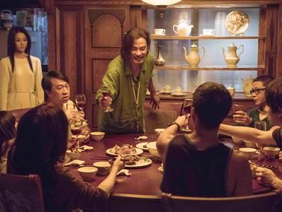 顛覆國片美學 《樓下的房客》打造華麗犯罪現場 影帝、新血同台尬戲演出人性黑色幽默