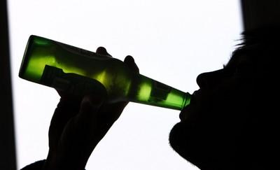 女踢男警下體喊「酒醉了」被判拘役40天