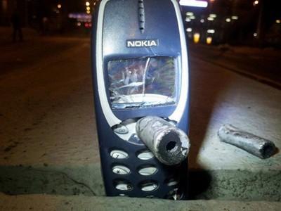 5瞬間讓人想起智障型手機的好,現在手機太容易沒電啦