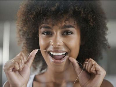 牙線根本不能防蛀牙!研究都是廠商贊助:假的