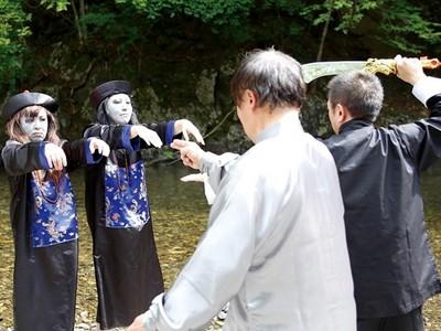 嚐嚐老道的降魔巨劍!日本推出《阿嬤殭屍大軍》A片