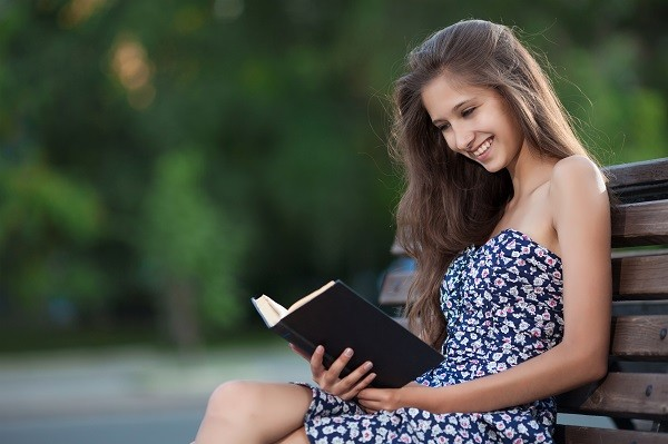 讀書,閱讀,女性,休閒(圖/達志/示意圖)