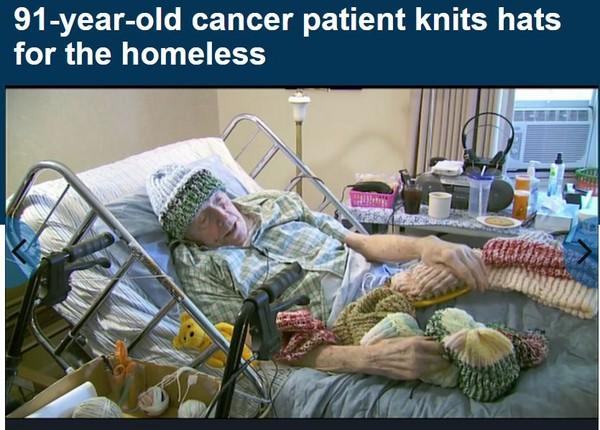 91歲「毛帽爺爺」癌症病床上 為流浪漢織超過8000頂