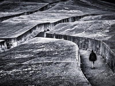 西西里地表巨型迷宮,半世紀前一場強震變鬼鎮