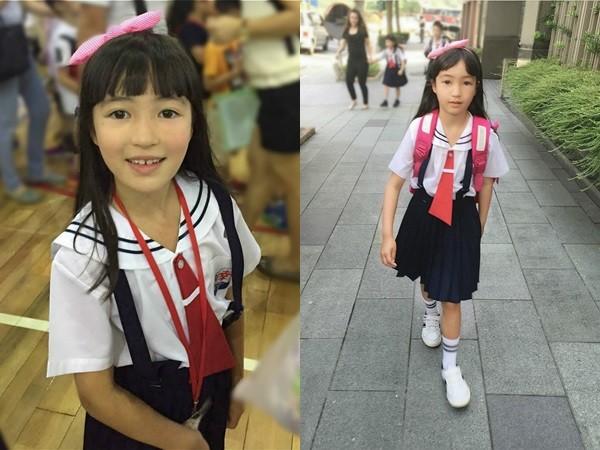6歲夏天上小學了! 「水手制服照」曝光網友戀愛了(圖/翻攝《網易娛樂》)