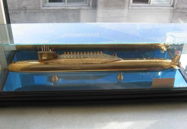 解放軍096型戰略核潛艇模型。(圖/翻攝自維基百科)