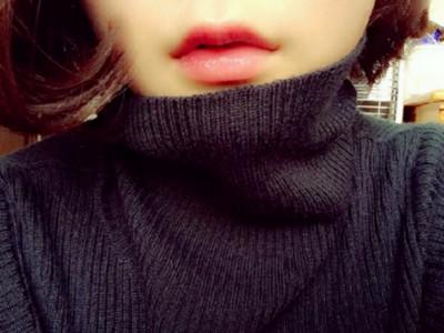 櫻花妹掀起「只露唇自拍風」!幻想空間更大了