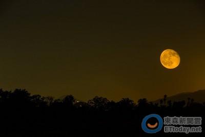 10月11日/月亮進入水瓶,雙子射手天秤水瓶適合下重要決定