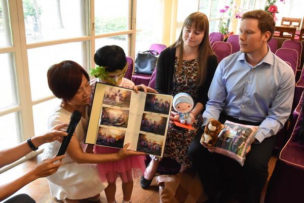 台灣收養風氣不盛 6歲楊小妹出養瑞典:我有爸媽和自己家了