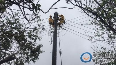 梅姬掃台停電戶逾380萬 台電調派6400人搶修