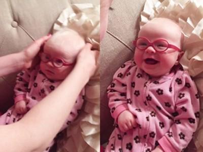 女嬰戴上眼鏡首次看見媽媽,純真笑容讓人感動流淚!