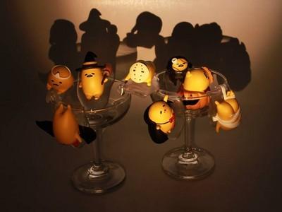 萬聖節想扮鬼又恥力不足..只好讓蛋黃哥杯緣子來教你了