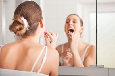 每天刷牙還是蛀? 醫:刷毛與牙齒絕對「不能」呈90度