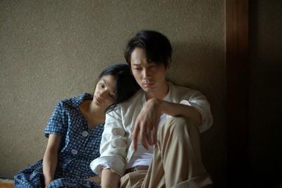 黃以曦/《夏之殘戀》關於愛的簡單純粹,就越不可得