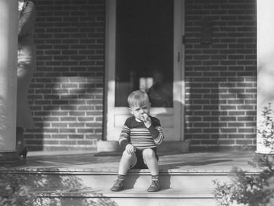 驚悚短篇小說:階梯上的男孩