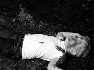 扯!和阿公做愛被抓包,媽媽狠殺兒子還棄屍荒野