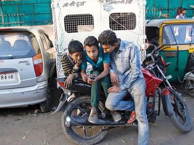 Google提供印度免費WiFi,可是他們都拿來看A片