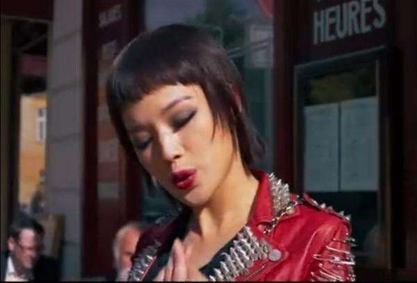 舒淇在《俠盜聯盟》戴過妹妹頭假髮。(圖/翻攝自秒拍)