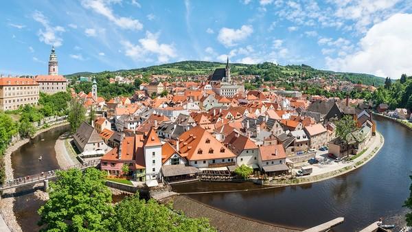 不要再问捷克跟奥地利哪个好玩了?捷克+奥地