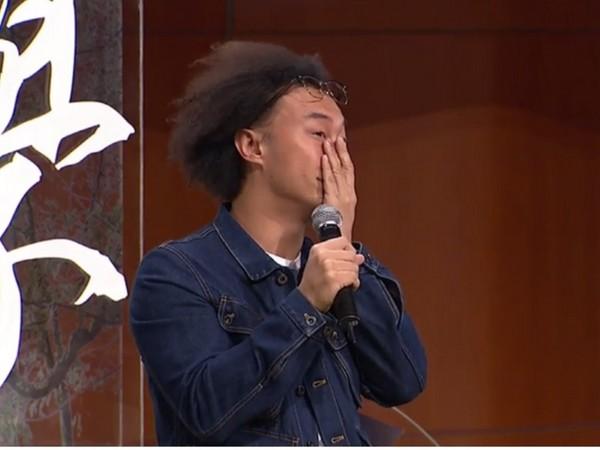 陳奕迅清唱哽咽爆哭! 「這首歌對我意義最重大」