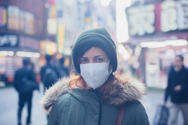 感冒,保暖,穿衣服,寒冷,冬天,戴口罩,過敏(圖/達志/示意圖)