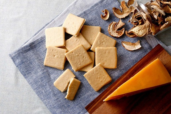 「東京ミルクチーズ工場:起司夾心餅乾」的圖片搜尋結果