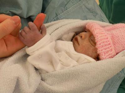 注定早夭!女嬰74分鐘就離世 母:她將是最年輕器捐者