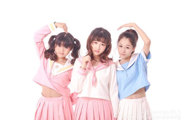 最醜女團回歸改名3unshine!宣傳照用小畫家做。(圖/取自Sunshine組合微博)