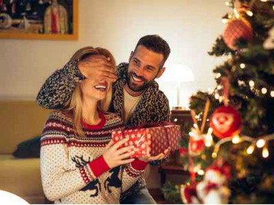 【禮物分析師】聖誕送機票超OK?10種禮物背後藏的男人心