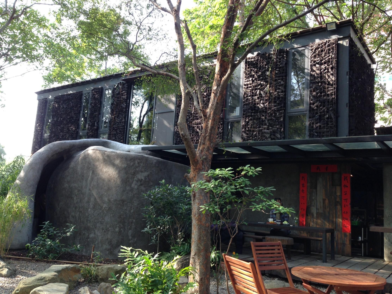 洞穴裡、樹屋上放空!新竹3間真的像「秘境」的咖啡廳