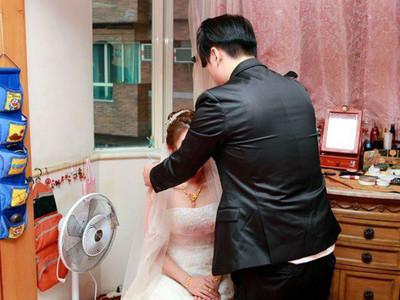 新娘嗆「地雷婚攝」全~是~背~影 網友:新郎可是高進?