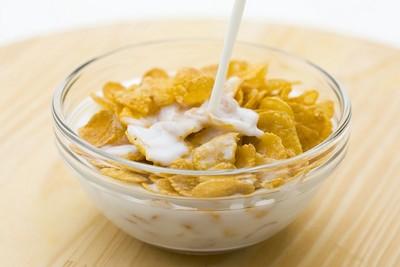 網傳「早餐吃玉米片+牛奶」能瘦?