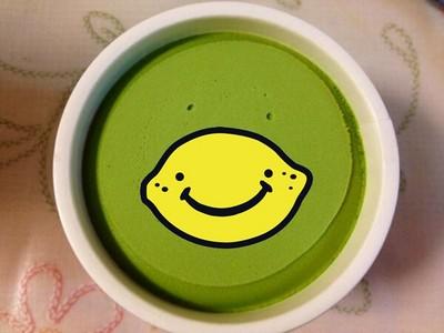 讓人開心的抹茶魔法,冰淇淋在對我笑耶!