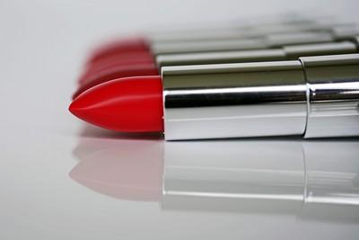 日化妝品出口連6年創新高 陸進口最多