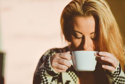 每天喝好幾杯?女性「咖啡成癮」易生理不順...難懷孕