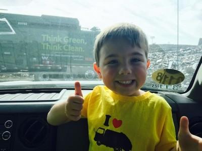 回收空瓶沒人做,美國7歲小男孩靠回收入帳30萬