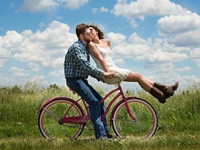 疼女友方式大不同,每個星座男友都讓人好心動!
