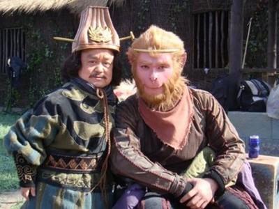 曾與劉德華、黃曉明同台,「120CM演員」沒戲演後才找到真愛