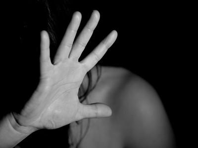 心理師解夢/夢裡被精神病患糾纏,難道我在抗拒生病的媽媽?
