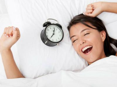 植入起床暗示欺騙大腦!4魔性「無痛早起術」,每天自然醒不遲到