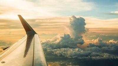 坐飛機致癌!科學家發現平流層「輻射雲」 飛過去劑量就爆表...