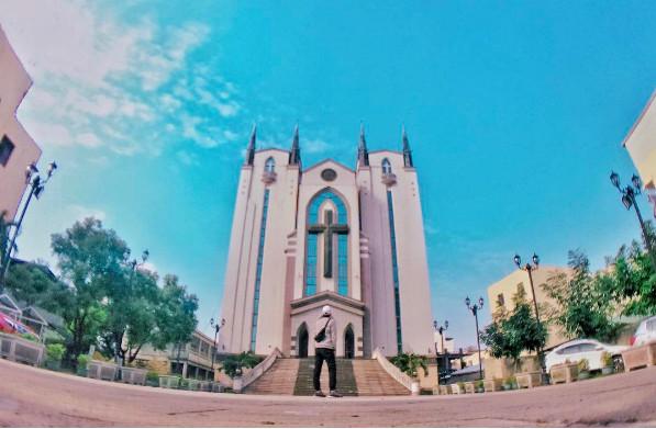 鳳山基督長老教會(圖/網友_cula1202提供,請勿隨意翻拍,以免侵權。)