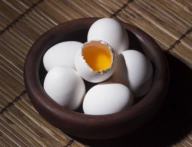 每天產6萬顆戴奧辛蛋! 「毒蛋」流入市面影響苗、彰