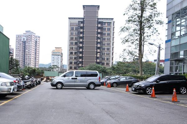 停車場,停車位,汽車,收費(圖/記者周宸亘攝)