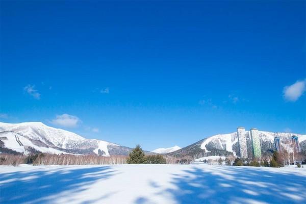 星野北海道滑雪場(圖/翻攝自星野リゾート トマム(公式)粉絲專頁)