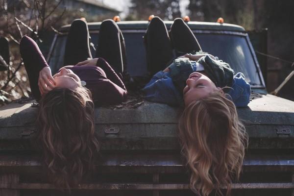 朋友,女人,摯友。(圖/取自LibreStock網站)