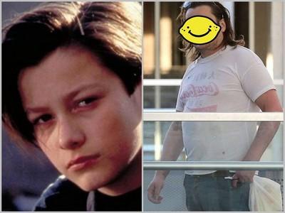 還記得在《魔鬼終結者》飾演約翰康納的小男孩嗎?長大後變肥宅了